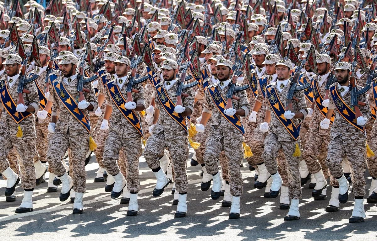 Lực lượng Vệ binh Cách mạng Hồi giáo Iran (IRGC) tại lễ duyệt binh ở Tehran ngày 22-9-2018. Ảnh: AFP/TTXVN