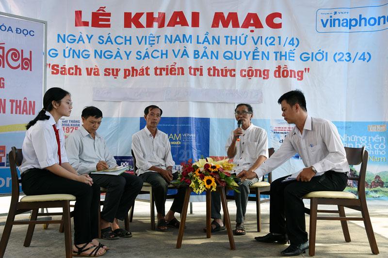Các diễn giả tại buổi tọa đàm.
