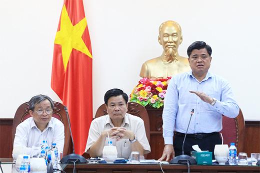 Thứ trưởng Bộ Nông nghiệp và Phát triển nông thôn Trần Thanh Nam phát biểu tại buổi làm việc. Ảnh: CTV