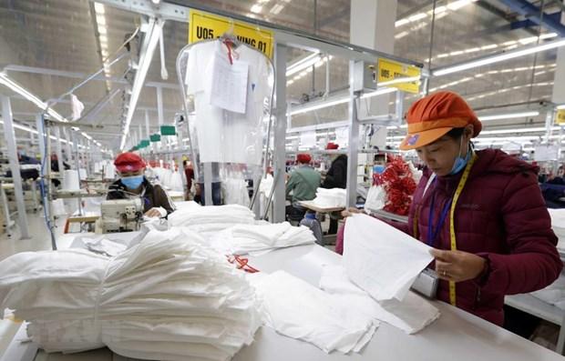 May hàng xuất khẩu sang thị trường EU tại Công ty may Tinh Lợi, khu công nghiệp Lai Vu, huyện Kinh Thành (Hải Dương). Ảnh: Trần Việt - TTXVN
