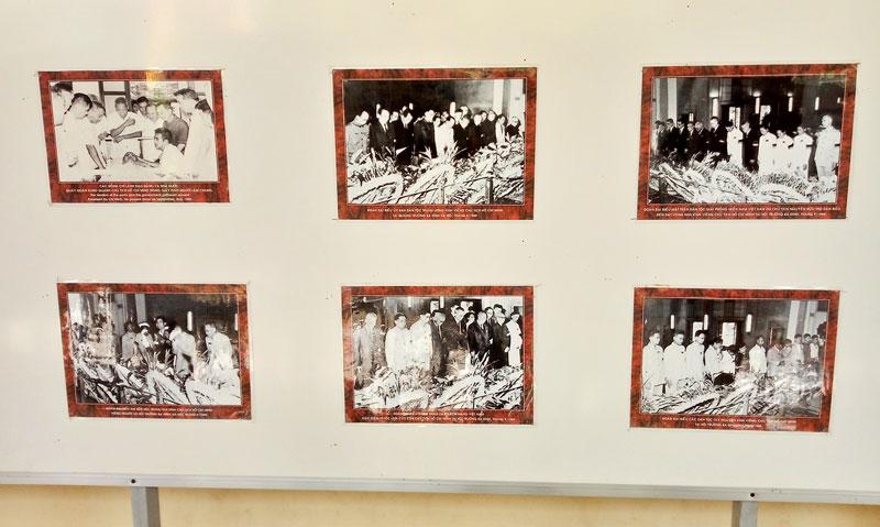 Triển lãm bộ ảnh Di chúc Chủ tịch Hồ Chí Minh và 50 năm thực hiện lời căn dặn của Người.