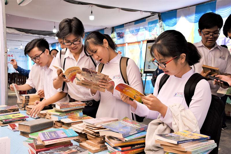 Quan tâm, định hướng con trẻ về văn hóa đọc. Ảnh: Thanh Đồng
