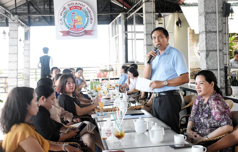 Chủ tịch UBND tỉnh Cao Văn Trọng phát biểu tại buổi cà phê doanh nghiệp tháng 5-2019.