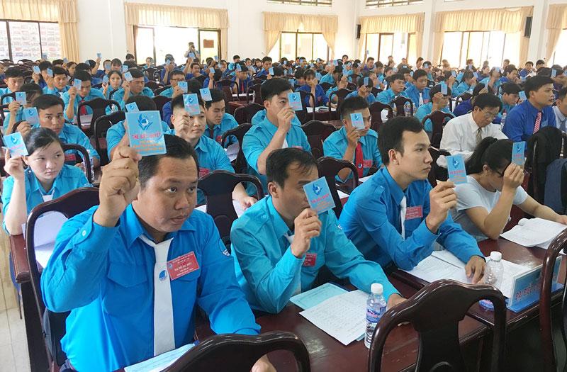 Đại biểu hiệp thương cử Ủy viên Ủy ban Hội Liên hiệp Thanh niên Việt Nam huyện khóa mới.
