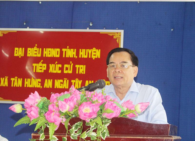Phó bí thư Tỉnh ủy Trần Ngọc Tam trình bày nội dung chuẩn bị Kỳ họp lần thứ 11 của HĐND tỉnh.