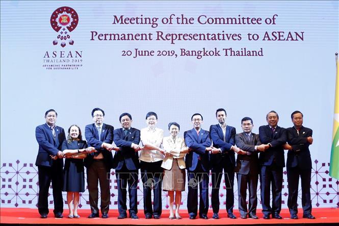 Đại diện thường trực các nước ASEAN chụp ảnh chung. Ảnh: TTXVN phát