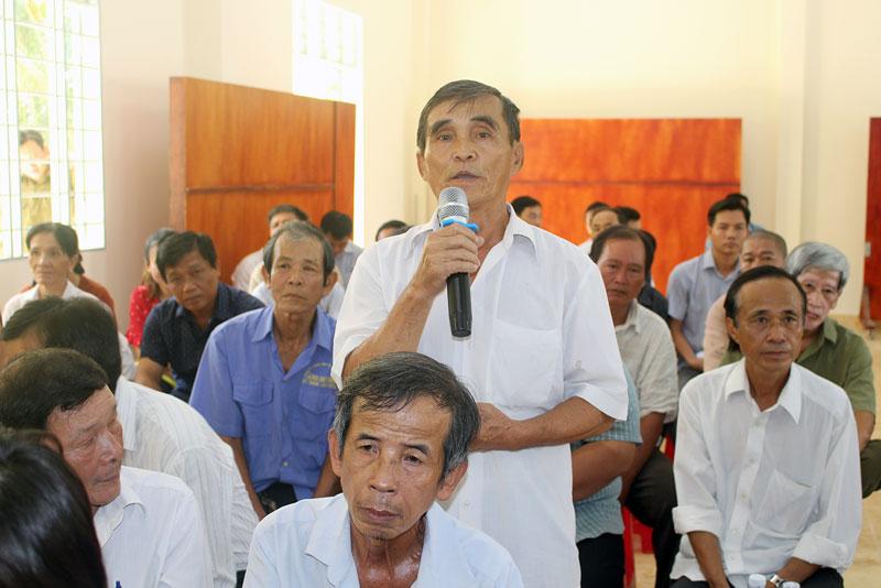 Cử tri huyện Châu Thành nêu kiến nghị.