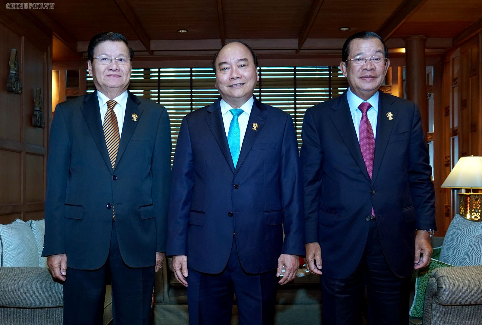 Ba Thủ tướng nhất trí phối hợp chặt chẽ tại các diễn đàn khu vực và quốc tế, thúc đẩy xây dựng Cộng đồng ASEAN đoàn kết, thống nhất, tự cường và có vai trò trung tâm. Ảnh: VGP