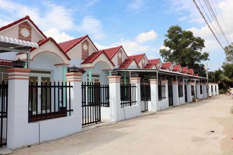 Phát triển nhà ở, khu dân cư theo quy hoạch đảm bảo kết nối hạ tầng và môi trường đô thị.