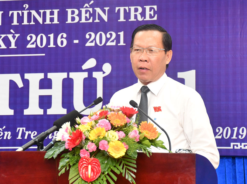 Phó bí thư Tỉnh ủy, Chủ tịch HĐND tỉnh Phan Văn Mãi phát biểu khai mạc kỳ họp