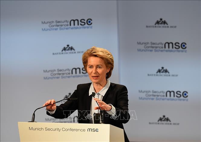 Bộ trưởng Quốc phòng Đức, bà Ursula von der Leyen, được giới thiệu làm Chủ tịch Ủy ban châu Âu tại Hội nghị thượng đỉnh đặc biệt bầu các chức danh chủ chốt của Liên minh châu Âu ở Brussels, Bỉ ngày 2-7-2019. Ảnh: THX/TTXVN