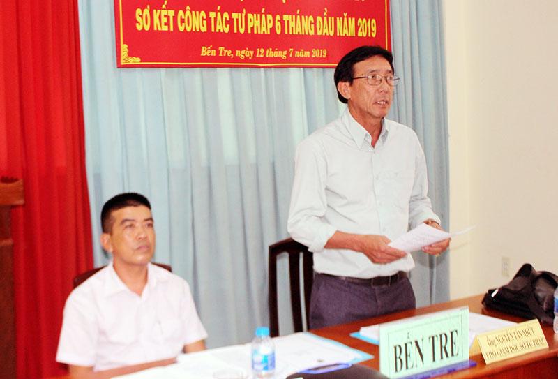 Phó giám đốc Sở Tư pháp Bến Tre Nguyễn Tấn Nhứt phát biểu tại hội nghị trực tuyến toàn quốc.