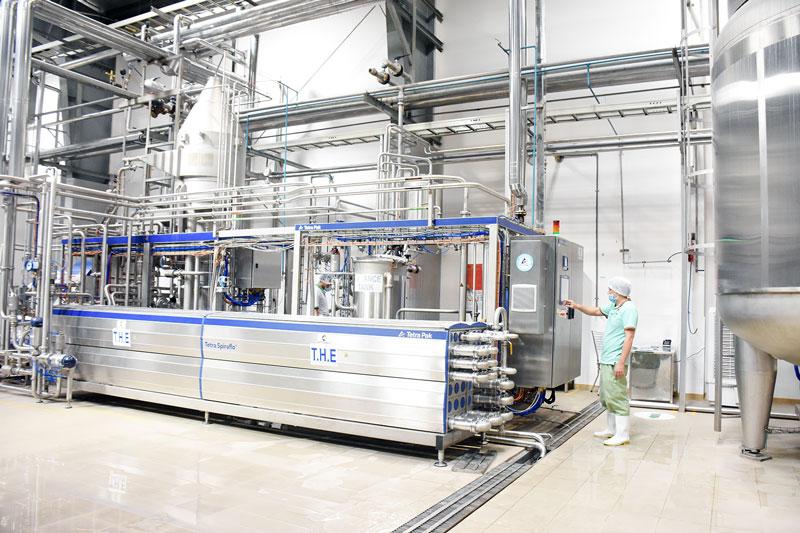 Ứng dụng công nghệ cao vào chế biến các sản phẩm từ dừa tại Betrimex.
