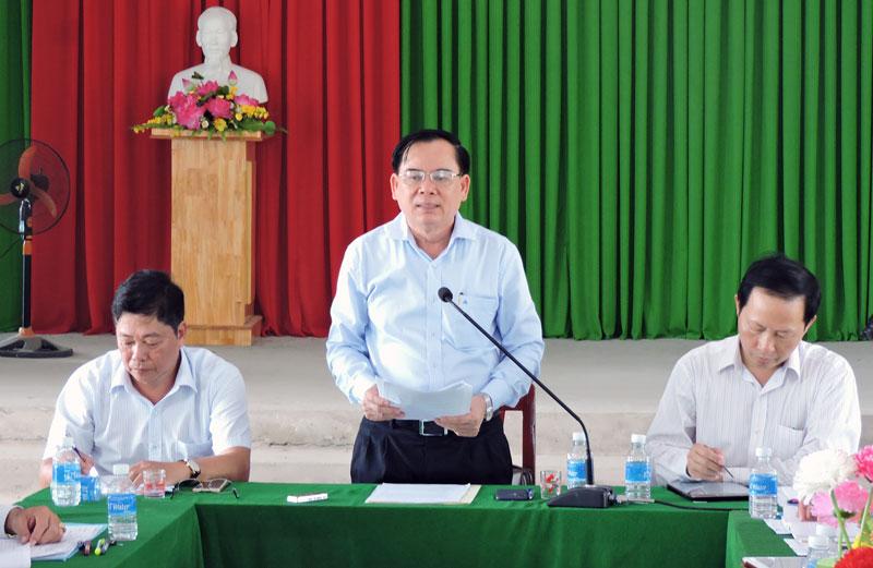 Phó bí thư Tỉnh ủy Trần Ngọc Tam phát biểu tại buổi làm việc.