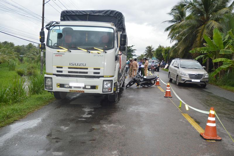 Cơ quan chức năng đang tiến hành điều tra, xác minh vụ tai nạn giao thông trên Quốc lộ 57.