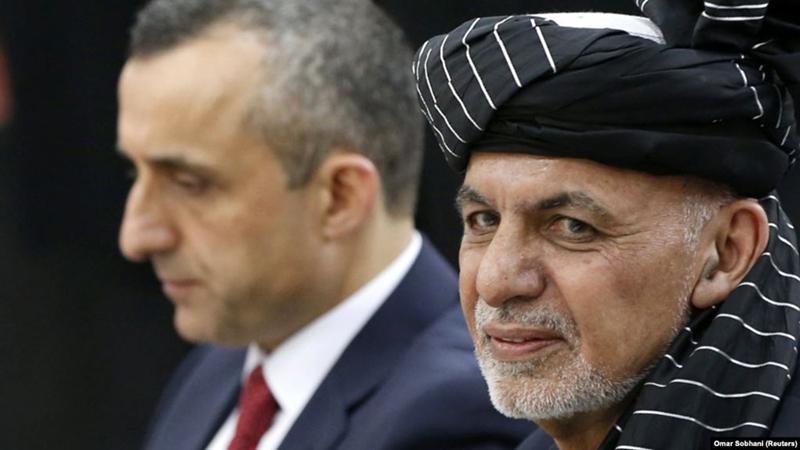 Ông Amrullah Saleh (bên trái) cùng với Tổng thống Afghanistan Ashraf Ghani. Ảnh: Radio Free Europe