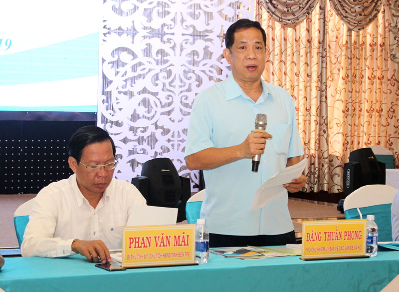 Phó chủ nhiệm Ủy ban về các vấn đề xã hội của Quốc hội Đặng Thuần Phong phát biểu tại hội thảo.