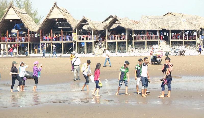 Lượng khách du lịch đến Cồn Bửng tăng qua các năm. Ảnh: Q. Vinh
