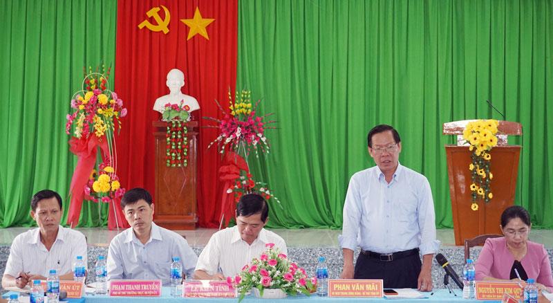 Bí thư Tỉnh ủy Phan Văn Mãi phát biểu tại buổi làm việc. Ảnh: Q.Hùng