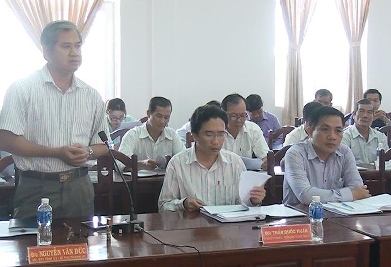 Bí thư Thành ủy Nguyễn Văn Đức phát biểu tại hội nghị.