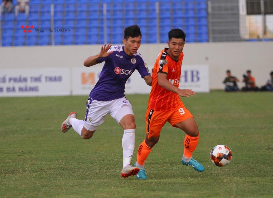 Hà Nội nhọc nhằn đánh bại Đà Nẵng với tỉ số 2-1. Ảnh: Trần Khánh