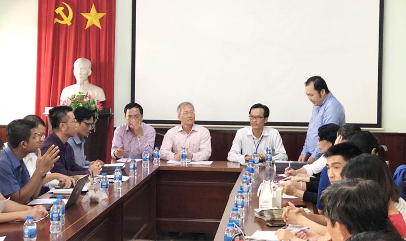 Ông Nguyễn Thanh Hưng - Chủ tịch VECOM (giữa) cùng các đơn vị thành viên làm việc với Sở Công Thương Bến Tre về việc phối hợp triển khai chương trình phát triển thương mại điện tử bền vững giai đoạn 2019 - 2025. Ảnh: SCT