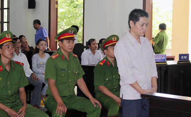 Bị cáo Trần Thành Hổ tại phiên tòa hình sự sơ thẩm.