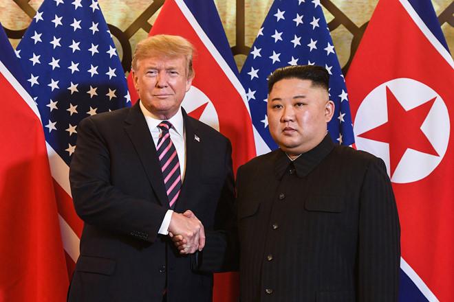 Tổng thống Mỹ Trump và lãnh đạo Triều Tiên Kim Jong Un tại thượng đỉnh lần 2. Ảnh: AFP.