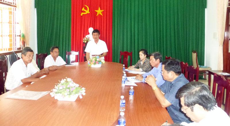 Trưởng ban Kinh tế - Ngân sách HĐND tỉnh Nguyễn Văn Quới phát biểu tại buổi làm việc