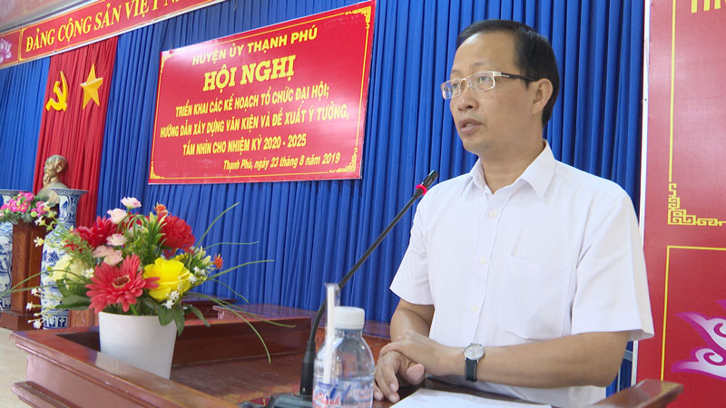 Bí thư Huyện ủy Nguyễn Trúc Sơn phát biểu chỉ đạo.