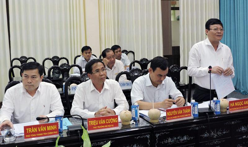 Đại biểu tham gia phát biểu tại buổi kiểm tra.