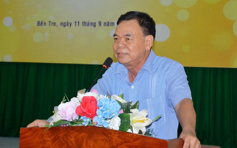 Nguyên Bí thư Tỉnh ủy Võ Thành Hạo chia sẻ đôi điều trong buổi lễ khai mạc Trại sáng tác.