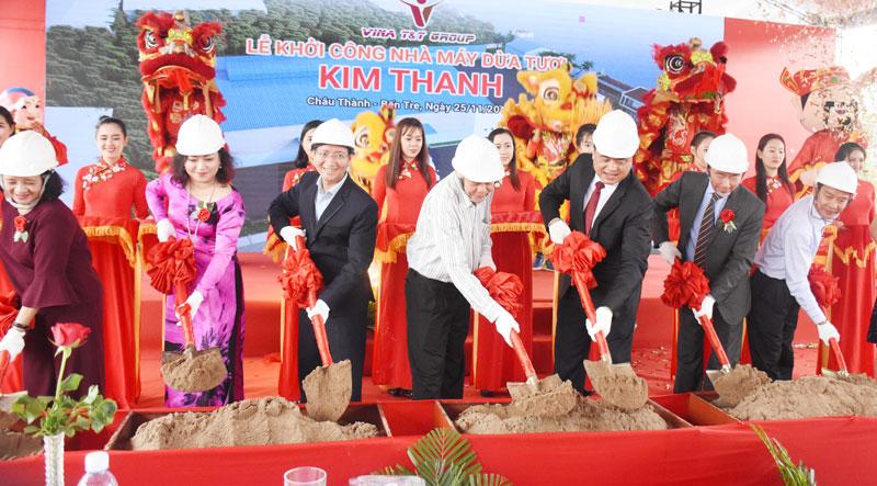 Tập đoàn Vina T&T, TP. Hồ Chí Minh đầu tư  xây dựng nhà máy sản xuất dừa tươi Kim Thanh - Bến Tre, tại xã An Phước, huyện Châu Thành. Nhà máy đi vào hoạt động trong năm 2019.