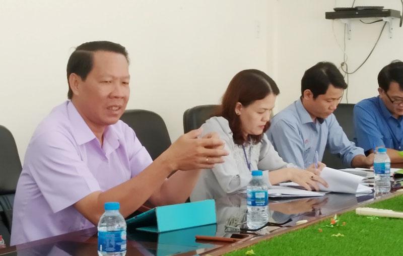 Bí thư Tỉnh ủy Phan Văn Mãi phát biểu tại cuộc họp.