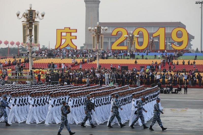 Trung Quốc tổ chức lễ kỷ niệm 70 năm Quốc khánh với cuộc diễu binh quân sự quy mô lớn tại quảng trưởng Thiên An Môn. Ảnh: SCMP
