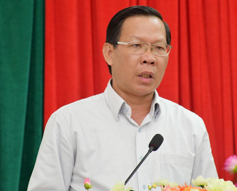 Bí thư Tỉnh ủy Phan Văn Mãi phát biểu bế mạc hội nghị. Ảnh: Hữu Hiệp