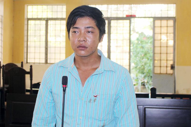 Bị cáo Nguyễn Minh Khánh tại phiên tòa hình sự sơ thẩm ngày 2-10-2019.