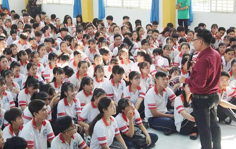 Giáo dục giới tính, trang bị kỹ năng sống cho học sinh cần được thực hiện với cách thức sáng tạo, phù hợp. Ảnh: Minh Tuấn