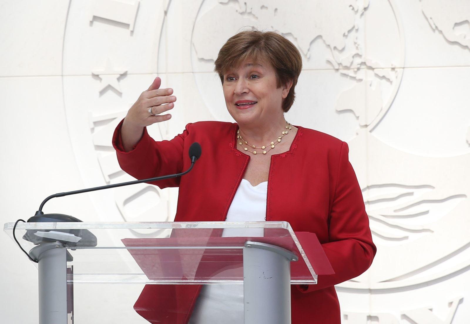 Bà Kristalina Georgieva phát biểu trong một cuộc họp báo tại trụ sở IMF tại Washington, DC., Mỹ. Ảnh: THX/TTXVN