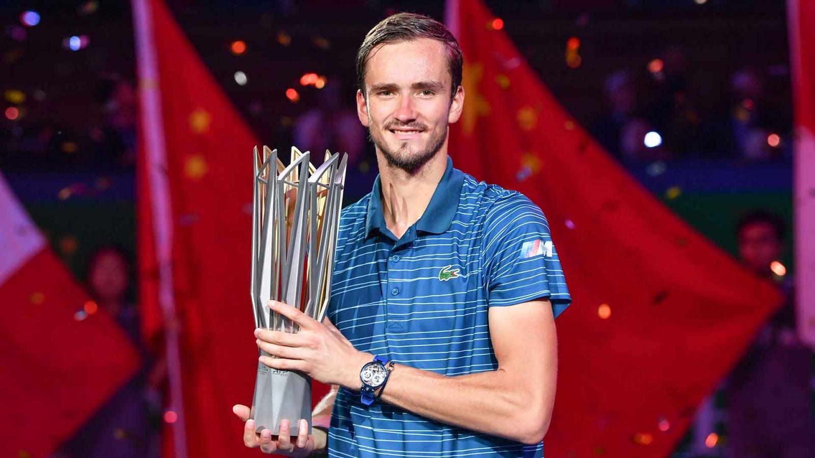 Medvedev lần đầu tiên vô địch Thượng Hải Masters. Ảnh: ATP Tour