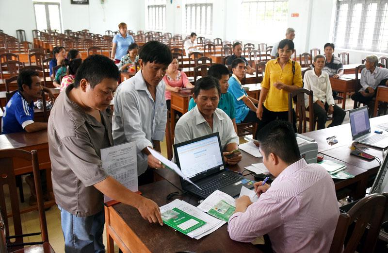 Ngân hàng Chính sách xã hội Chi nhánh tỉnh kiến nghị người đi lao động ở nước ngoài gặp khó khăn về tài chính đều được vay vốn tín dụng chính sách.