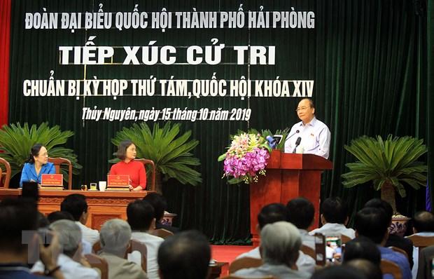 Thủ tướng Nguyễn Xuân Phúc phát biểu tại buổi tiếp xúc cử tri huyện Thủy Nguyên, thành phố Hải Phòng. Ảnh: An Đăng/TTXVN