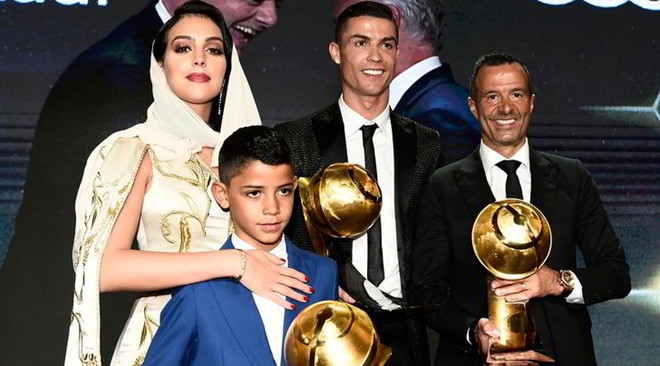 Jorge Mendes góp công lớn trong việc mang tài năng của Ronaldo vươn tầm thế giới. Ảnh: Lapresse.