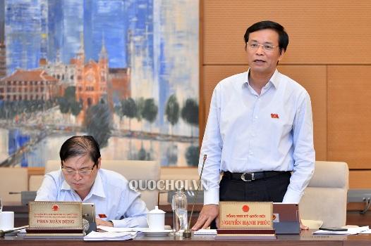 Tổng Thư ký, Chủ nhiệm Văn phòng Quốc hội Nguyễn Hạnh Phúc phát biểu tại cuộc họp. Nguồn: quochoi.vn