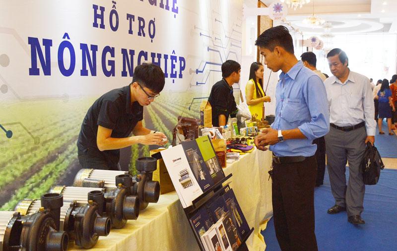 Giới thiệu các sản phẩm công nghệ ứng dụng trong sản xuất nông nghiệp tại Mekong Connect năm 2017.