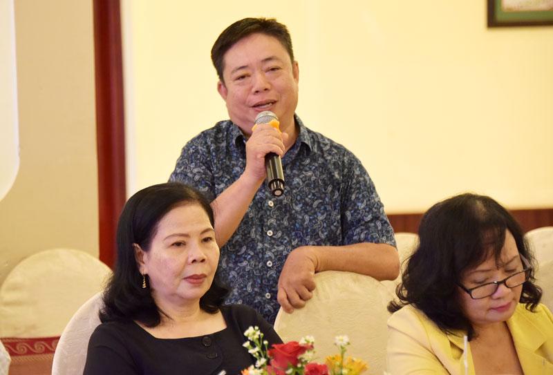 Trung tá Ngô Thanh Liêm - Đội trưởng Đội Tuyên truyền, Phòng Công tác Đảng, công tác chính trị, Công an tỉnh phát biểu ý kiến tại chương trình.