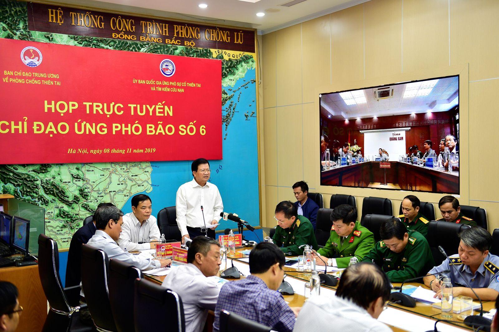 Phó thủ tướng Trịnh Đình Dũng phát biểu chỉ đạo tại cuộc họp. Ảnh: VGP/Nhật Bắc