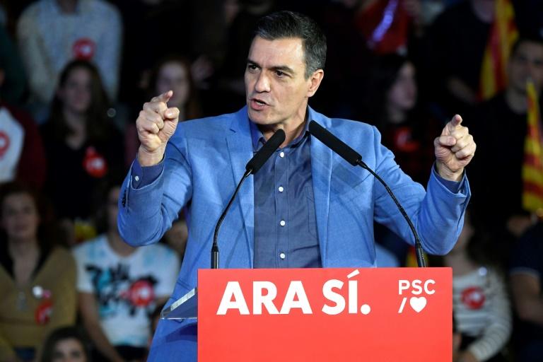 Các thùng phiếu trong một khu vực bỏ phiếu trước cuộc bầu cử ở Madrid, Tây Ban Nha.