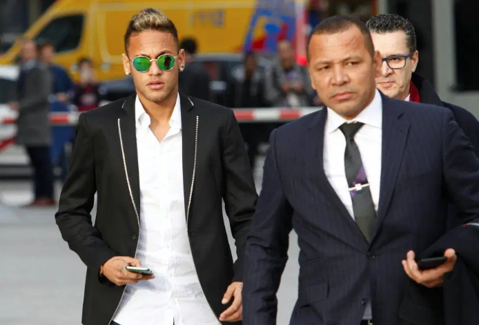 Neymar hiện không có kế hoạch trở lại Barca