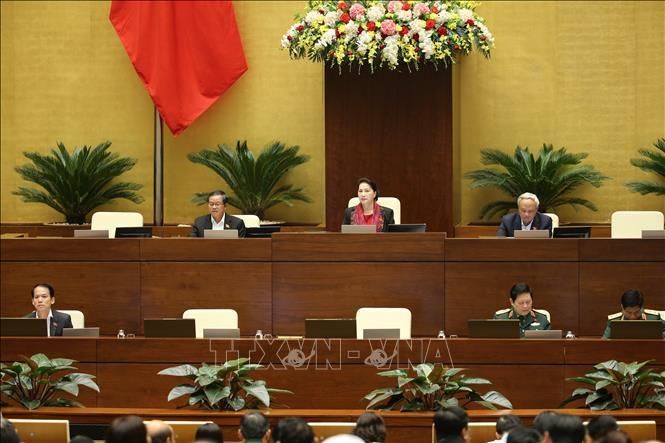 Chủ tịch Quốc hội Nguyễn Thị Kim Ngân và các Phó Chủ tịch điều hành phiên họp chiều 11-11. Ảnh: Dương Giang/TTXVN